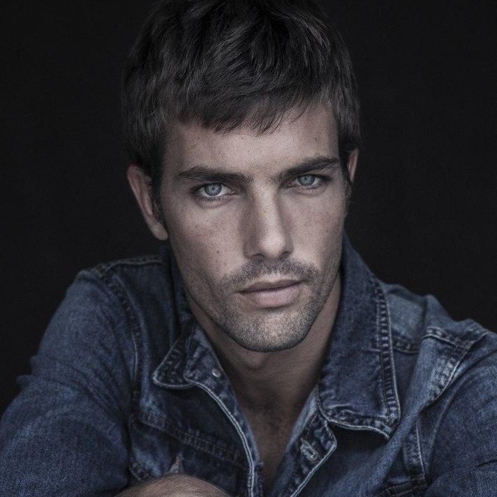 Lucas Marcos - Men mainboard