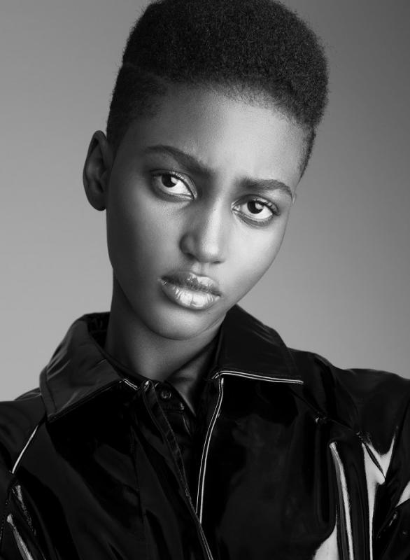 Aicha Mohamed - Women mainboard