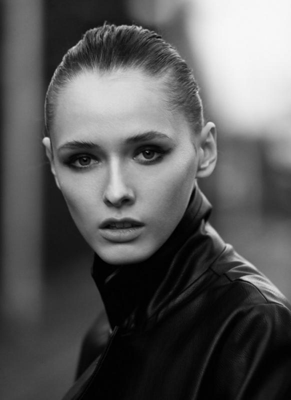 Aneta Zdeb - Mainboard