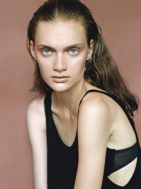 Klara Hanna - Future faces