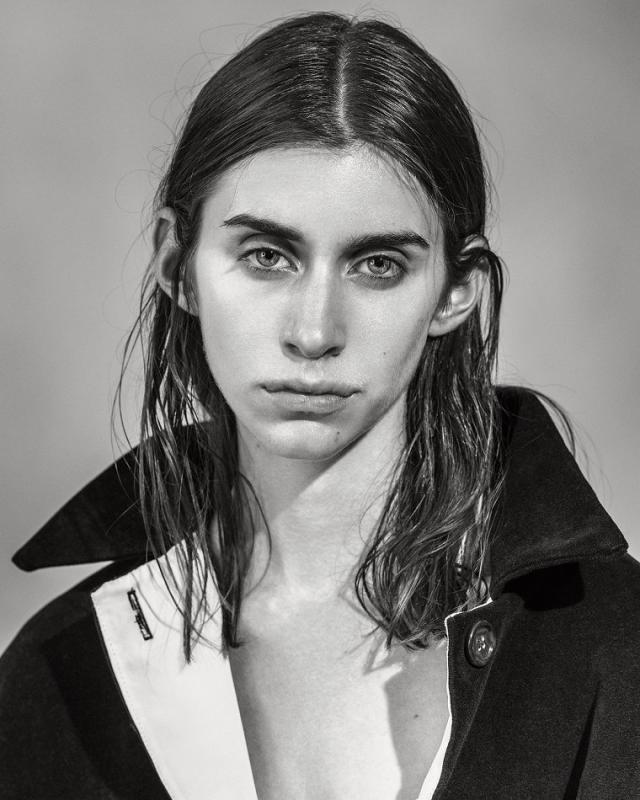 Juliette Topalian - Mainboard