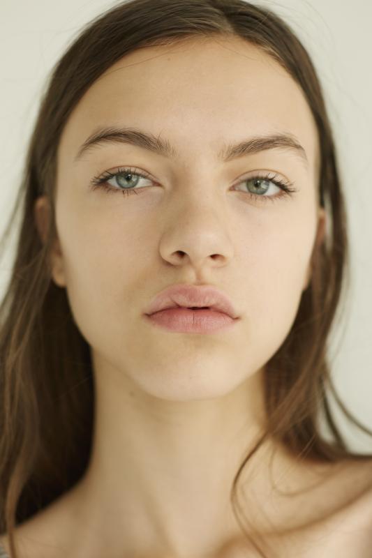Vanessa Tonova - Future faces