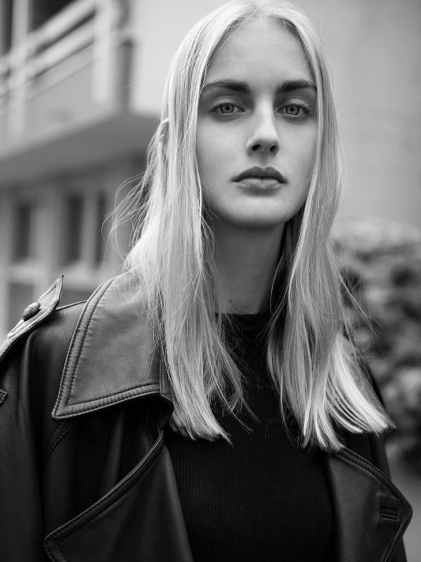 Ester Apelskog - Mainboard