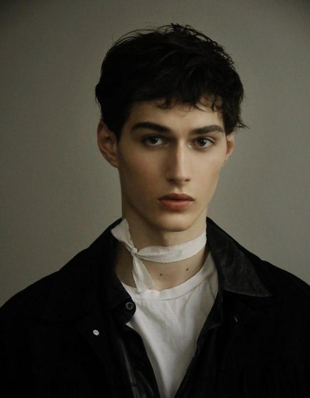 Aron Cavoj - Men