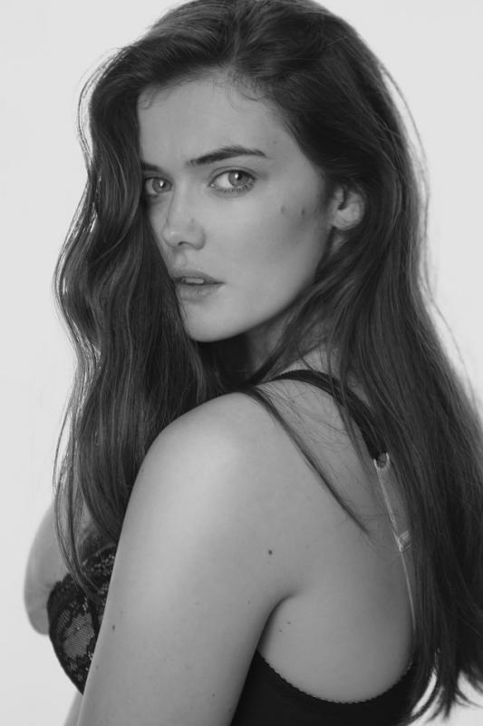Sophie Thomas - Main curve