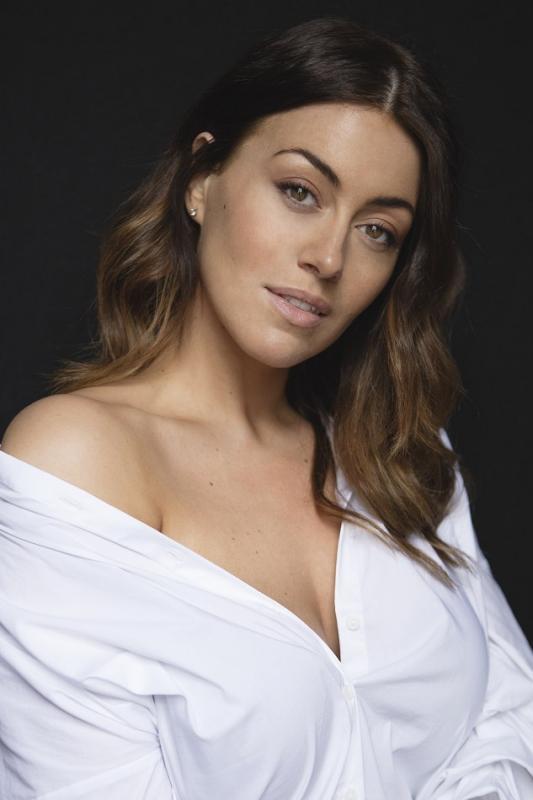Laura Goodwin - Main curve