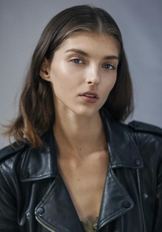 Anastasia Lagune - Main women
