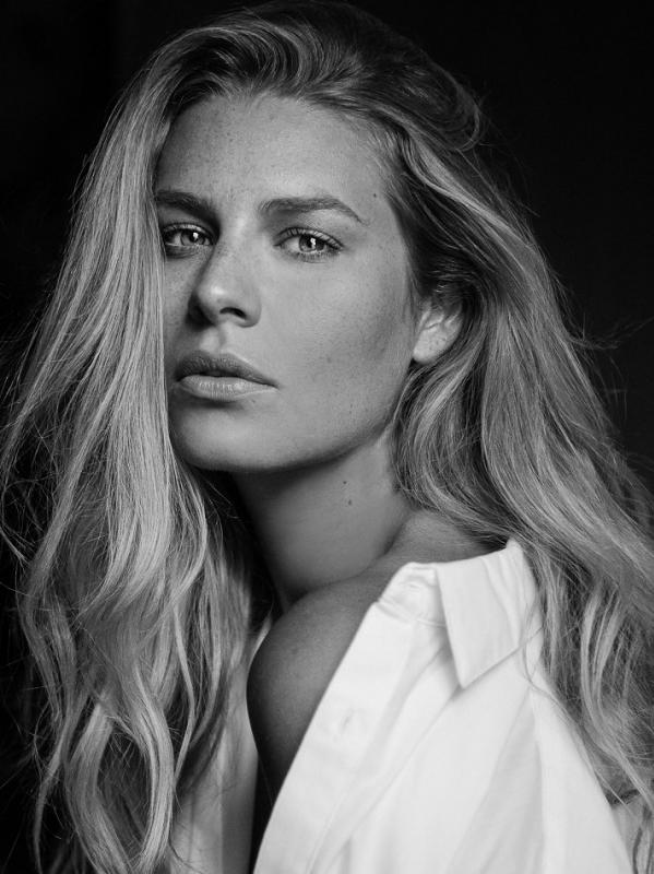 Chloe Hayward - Main curve