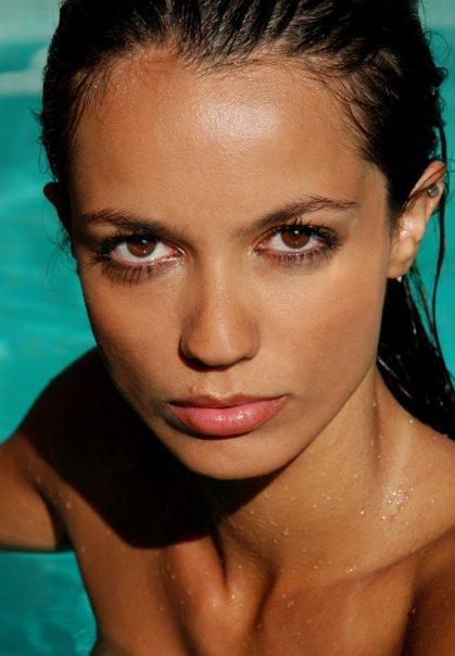 Renata Farais - Women