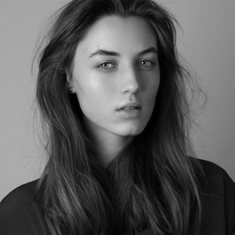 Karolina L - Women