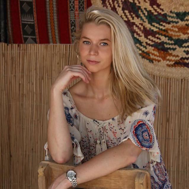 Lisa K - W cast