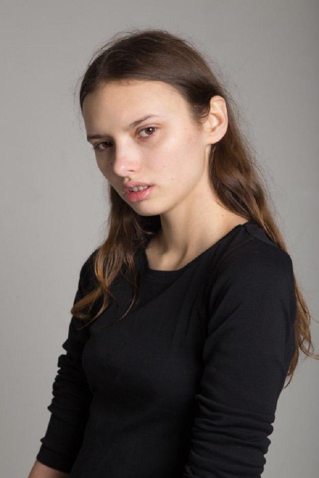 LISA VARZARI