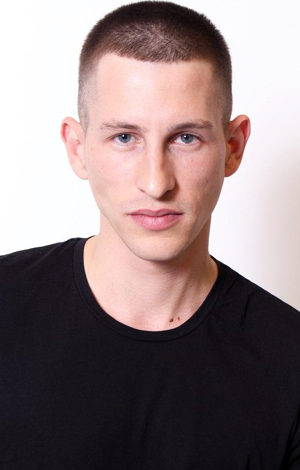 JANNIK SCHARMWEBER